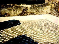 Necker cube in Pompeii, courtesy of S. Jaskulowski