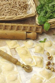 """Between the fresh pastas, the """"trofiette"""" or """"trofie"""" are a type of spiral-shaped pasta, with a length of 1,5 to 2 cm; the ends are thinner than the centre. born in the eastern italian riviera, they are one of the glories of the cuisine of Recco. They are seasoned with pesto or walnut sauce (Ph. © Paolo Picciotto)"""