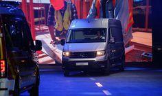 DIECIOCHO RUEDAS: NUEVA VW CRAFTER … VAN INTERNACIONAL  DEL AÑO 2017...