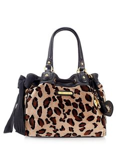 This would save me from switching to black and brown purses to match outfits. Yep, next purse purchase!!!