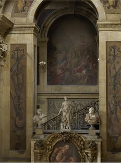 Looking through the arch above the fireplace in the great hall at Castle Howard. Beautiful Architecture, Art And Architecture, Castle Howard, Castles In Ireland, Castle Wall, Church Interior, Old World Style, Grand Homes, English Style