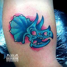 Dinosaurio Fullcolor por Rafael Guerrero en Badabink Valencia Tattoo. + Info en el 666852293 (Whatsapp).