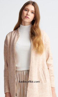 Yeni sezon kış modası düşük omuzlu somon renk fermuarlı yakasız oversize kadın kaban modeli | Kadınca Fikir - Kadınca Fikir Women's Clothing, Fur Coat, Zara, Sweaters, Jackets, Fashion, Women's Clothes, Down Jackets, Moda