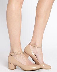Aumentar Zapatos de tacón bajo con tira en el tobillo EC Toy de New Look