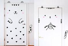 D'adorables stickers pour décorer... vos portes !