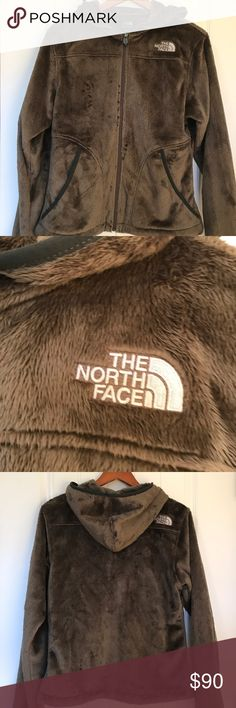 NWOT North face hooded zip up jacket. NWOT North face hooded zip up jacket. Size M. 2 front pockets's. Super soft. Perfect for fall or winter. Northface Jackets & Coats