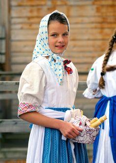 Slovak Girl - Folk Festival Vychodna 2011