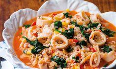 Este arroz malandrinho de lulas é a refeição perfeita para aquela almoço de família e que tem pouco tempo para cozinhar. Delicioso e Infalível!
