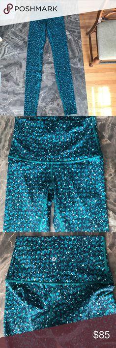 Leggings Green/black patterned leggings. High rise. Very comfortable and stretchy. lululemon athletica Pants Leggings