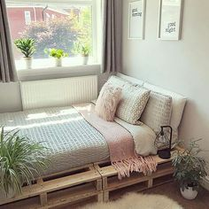 150 adorable pallet bed ideas you will love 8 Bedroom Bed Design, Small Room Bedroom, Diy Bedroom Decor, Home Decor, Dream Rooms, Dream Bedroom, Pallet Beds, Cute Room Decor, Aesthetic Room Decor