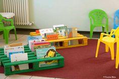 Biblioteca feita com pallets