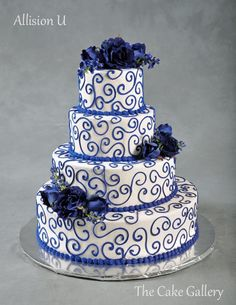 wedding cakes silver Minus the flowers on top and make it a 2 or 3 layer cake and do Purple Swirlys and The lining of the cake silver Royal Blue Wedding Cakes, Floral Wedding Cakes, Wedding Cakes With Flowers, Floral Cake, Wedding Cake Designs, Wedding Cake Toppers, Flower Cakes, Wedding Cake Photos, Amazing Wedding Cakes