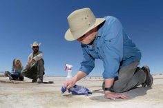 Ice Age Hunting Camp, Replete With Bird Bones and Tobacco, Found in Utah Desert Posted by Blake de Pastino on July 25, 2016 in anthropology, archaeology, Great Basin, hunting, Ice Age, Indians, Native Americans, news, stone points, tobacco, Utah | 961 Views |