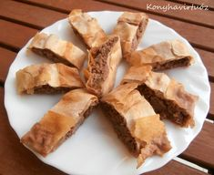 Konyhavirtuóz: Fügés-diós rétes - VKF! 74. forduló Poppy Cake, Filo Pastry, Strudel, Cornbread, Ethnic Recipes, Sweet, Dios, Filo, Millet Bread