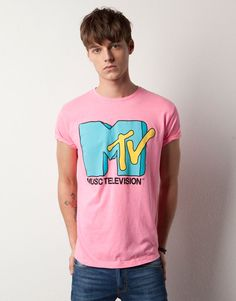 """[picture] Pull & Bear collab series neon pink """"MTV"""" slim fit t-shirt"""