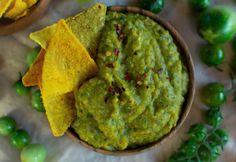 Zölparadicsom-salsa Tortilla Chips, Guacamole, Chili, Mexican, Ethnic Recipes, Yum Yum, Food, Cilantro, Chile