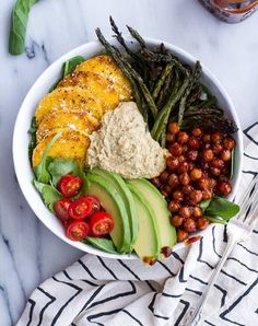 Not sure about the BBQ chickpeas.but will def try making the ranch hummus - Spicy BBQ Chickpea and Crispy Polenta Bowls with Asparagus + Ranch Hummus Lunch Bowl Recipe, Lunch Recipes, Whole Food Recipes, Vegetarian Recipes, Healthy Recipes, Vegetarian Dinners, Vegan Polenta Recipes, Veggie Bowl Recipe, Diet Recipes