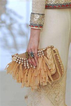 La borsa con le frange