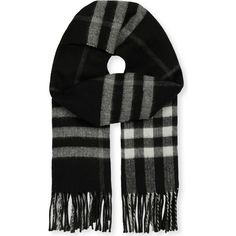 Burberry Giant check cashmere-blend metallic reversible scarf (€390) ❤ liked on Polyvore featuring accessories, scarves, fringe scarves, checkered scarves, burberry shawl, burberry scarves and reversible scarves