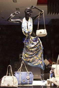 50 Best Handbag & Purse Displays w/ Mannequins images ...