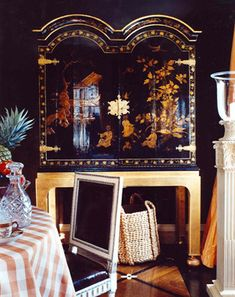 Chinoiserie in a formal dining room by Markham Roberts. House & Garden.