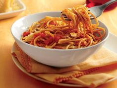 Spaghetti with Roasted Red Pepper Sauce http://www.prevention.com/food/healthy-eating-tips/healthy-packaged-food-recipes/chicken-chili