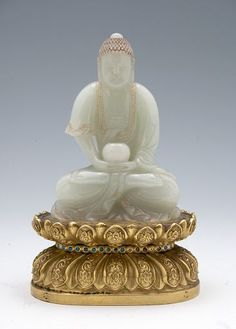 Jade Figure of a Buddha Holding an Alms Bowl, Seated on a Double-Lotus Pedestal, Chinese, Qing dynasty, 19th century, Harvard Art Museums/Arthur M. Sackler Museum.