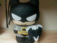 Batman piñata