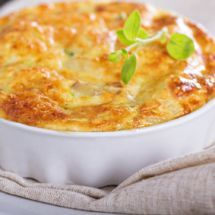 Découvrez la recette de Gratin de pâtisson, Plat à réaliser facilement à la maison pour 6 personnes avec tous les ingrédients nécessaires et les différentes étapes de préparation. Régalez-vous sur Recettes.net