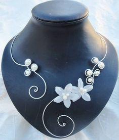 Collier de mariée perles fleurs de soie ivoire mariage par Zalanya, $39.00