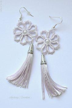 Diy Macrame Earrings, Tatting Earrings, Tatting Jewelry, Tatting Lace, Diy Earrings, Fashion Earrings, Crochet Jewelry Patterns, Crochet Earrings Pattern, Tatting Patterns