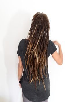 This is my client lina, I've been following her dreadlock Journey for years, she started with two behind her ear and we keept on adding more and more. Look at this lushes head of dreadlocks that she has now. Amazing! Dreadlock Products, Dreadlock Shampoo, Hair You Wear, Dreadlock Hairstyles, Dream Hair, Knot, Dreadlocks, Journey, Hair Styles