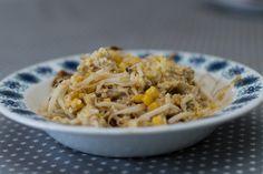 Stekt ris med kylling og bønnespirer