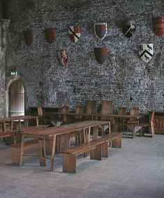Tavern inspiration - The great hall of Caerphilly castle in Wales, constructed in the century. Vila Medieval, Chateau Medieval, Medieval World, Medieval Castle, Medieval Fantasy, Castles In Wales, Palaces, Dark Ages, Kirchen