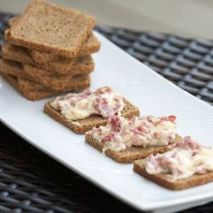 Reuben Dip: If you are like me and one of your favorite sandwiches is a rueben, then you have to give this quick and easy recipe a try!