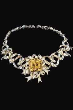 El collar Ribbon Rosette de Schlumberger con el diamante Tiffany, que usara Audrey Hepbpburn para el filme Breakfast at Tiffany's.