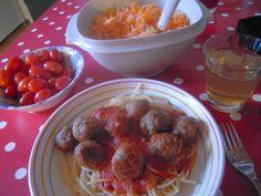 lumiukon mietteitä, kotoisia lihapullia ja spagettia