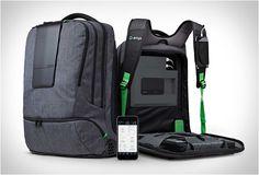 A novidade da ampl Labs, uma mochila inteligente (smart backpack) para pessoas inteligentes.  Veja mais detalhes: http://bit.ly/1BPRnwA