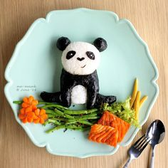 Physiologically Monday-black like a panda 🐼😂 anyone out there is simply unwilling to sleep (no matter how tired) on Sunday nights just like I do? Panda Food, Cute Food, Funny Food, Baby Food Recipes, Kid Recipes, Plate Art, Food Pictures, Food Pics, Monday Blues