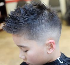 Choosing the best little boy haircuts can be tricky,However, if you want to come up with the top little boys haircuts for your kids, here we have a lot of options waiting for you to make a pick from. Boys Haircuts 2018, Kid Boy Haircuts, Cute Little Boy Haircuts, Little Boy Hairstyles, Cute Little Boys, Haircuts For Men, Combover Hairstyles, Faux Hawk Hairstyles, Side Swept Hairstyles