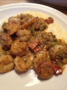 Shrimp & Andouille with Creamy Charleston Style Grits Southern Soul Food Recipes Creole Recipes, Cajun Recipes, Fish Recipes, Seafood Recipes, Dinner Recipes, Cooking Recipes, Healthy Recipes, Healthy Food, Soul Food Recipes