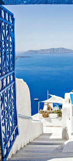 Traveling - Santorini, Greece- #LadyLuxuryDesigns