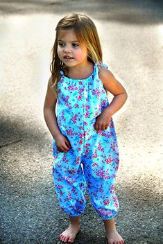 Summer Romper PDF Sewing Pattern and Tutorial- Size months to Size 6 Pdf Sewing Patterns, Baby Patterns, Clothing Patterns, Dress Patterns, Knitting Patterns, Toddler Outfits, Kids Outfits, Romper Pattern, Pants Pattern
