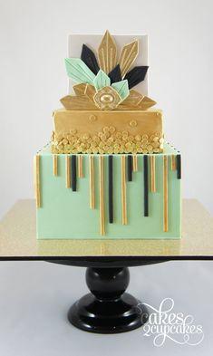 Mint, gold and black Art Deco cake - Cakes 2 Cupcakes Modern Cakes, Unique Cakes, Creative Cakes, Pretty Cakes, Beautiful Cakes, Amazing Cakes, Art Deco Cake, Cake Art, Geometric Cake