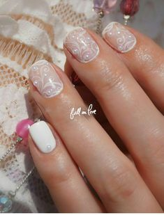 3 sheets of lace nail art and a wheel of half por GlamourFavor