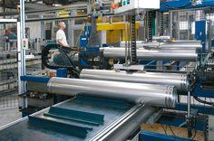 Het Melatorm AT dubbelwandig rookkanaal systeem wordt vervaardigd uit staal, aluminium en thermisch verzinkt staal. #dubbelwandigrookkanaal Gym Equipment, Sports, Hs Sports, Sport, Workout Equipment, Exercise, Fitness Equipment