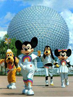 Disney characters dance (in front of Epcot Center in Orlando, Florida) Walt Disney, Disney Love, Disney Magic, Disney Parks, Disney Pixar, Disney Characters, Disney Stuff, Disney Theme, Disney Vacations