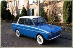 DAF, betekent van Doorns Automobiel Fabriek. Nederlandse auto vanaf 1960 tot plm. 1975.