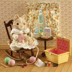 Sylvanian Families Grandmother at Home Set - Billiga leksaker online - LekOutlet Family Dogs, Family Life, Sylvanian Families House, Sylvania Families, Lol Dolls, Cute Toys, Childhood Memories, Gifts For Kids, Cute Pictures