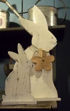 cute wood bunnies, need a colored flower to perk it up! Spring Projects, Easter Projects, Spring Crafts, Easter Crafts, Holiday Crafts, Easter Decor, Happy Easter, Easter Bunny, Easter Holidays